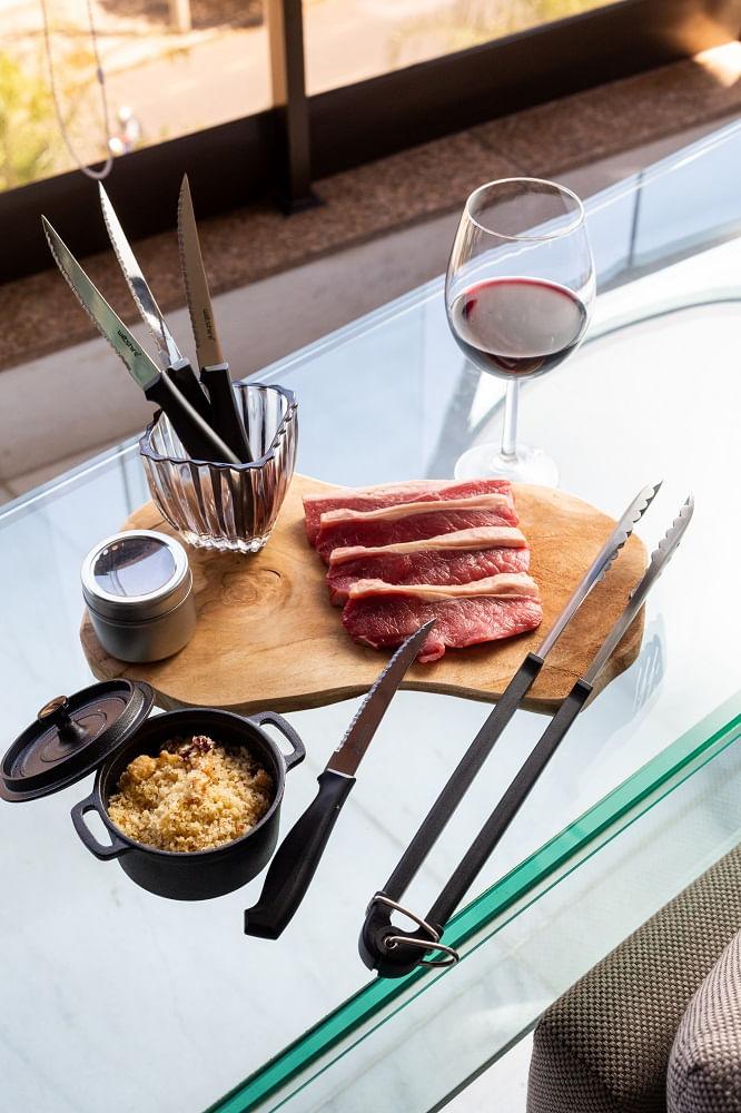 Conjunto para Churrasco espatula, pegador e 6 facas